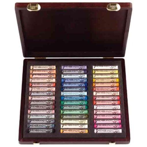 Cajas pastel rembrandt de 45 pasteles blandos de la marca rembrandt con colores especiales para retratos.